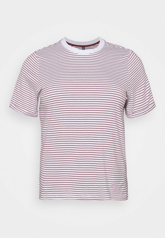 PCRIA FOLD UP TEE - Print T-shirt - bright white/apple butter