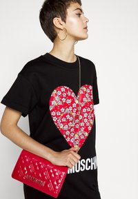 Love Moschino - BORSA - Across body bag - red - 0