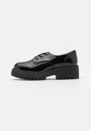 JUDGE SUPER CHUNKY LACE UP - Lace-ups - black