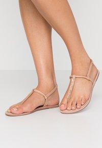 ONLY SHOES - ONLMARGIT SPLIT TOE  - Flip Flops - nude - 1