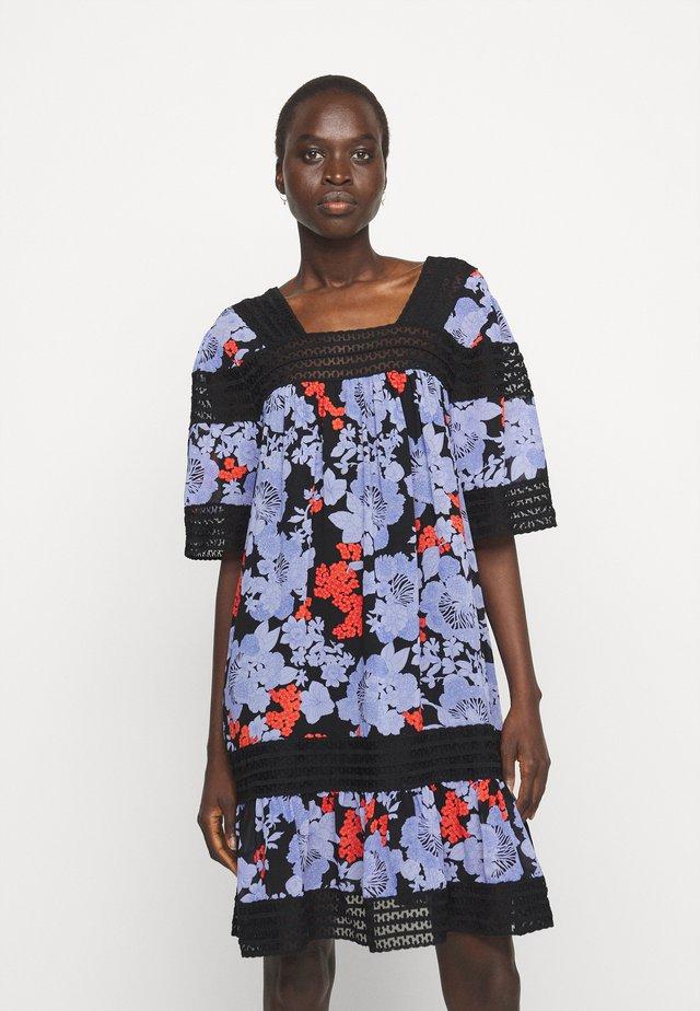 ABELLA PRINT - Korte jurk - black