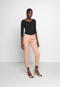 Sisley - Chinos - light pink - 1