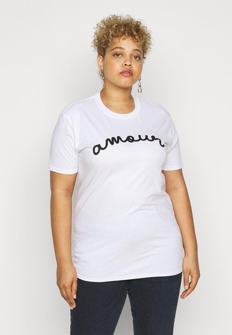 Missguided Plus - AMOUR GRAPHIC SLOGAN - Print T-shirt - white
