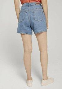 TOM TAILOR DENIM - Denim shorts - clean mid stone blue denim - 2