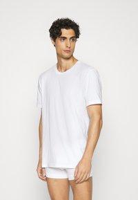 Nike Underwear - CREW NECK 2 PACK - Tílko - white - 1