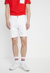 Tommy Jeans - ESSENTIAL - Shorts - white - 0