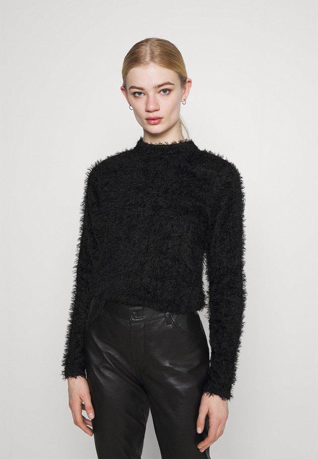 FLUFFY TURTLENECK - Sweter - black