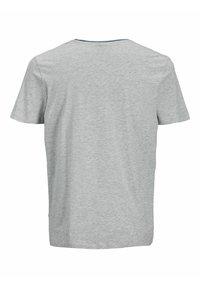 Jack & Jones - JJARID TEE CREW NECK - Printtipaita - light grey melange - 1
