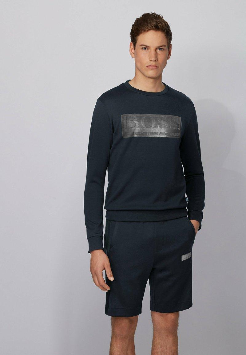BOSS - SALBO BATCH Z - Langærmede T-shirts - dark blue