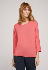 TOM TAILOR - BATWING - Stickad tröja - strong peach melange - 0