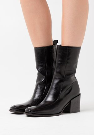 LOLA - Classic ankle boots - schwarz
