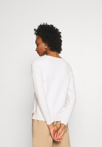 Marc O'Polo - LONGSLEEVE BASIC WITH ROUNDNECK - Jumper - off white - 2