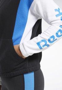 Reebok - TRAINING ESSENTIALS LOGO HOODIE - Zip-up hoodie - black - 4