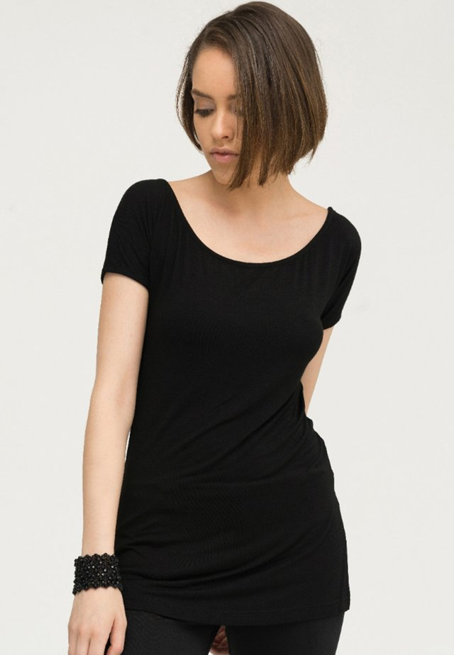 NAIRA - Basic T-shirt - black
