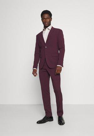 PLAIN MENS SUIT - Suit - burgundy