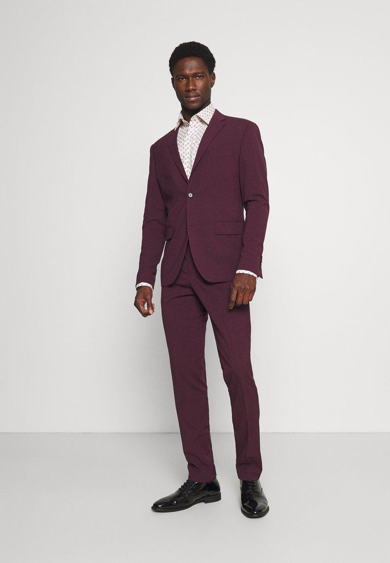 Lindbergh - PLAIN MENS SUIT - Dress - burgundy