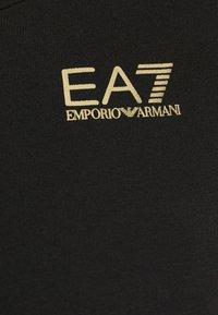 EA7 Emporio Armani - T-Shirt print - black/light gold - 5