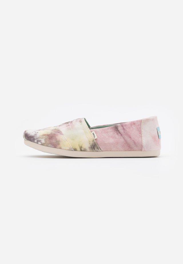 Nazouvací boty - pink