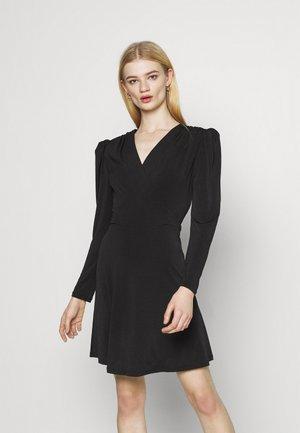VIELBAS DRESS - Jerseykjole - black