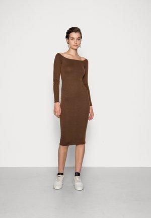 BARDOT MIDI DRESS - Jersey dress - brown