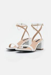 Patrizia Pepe - Sandals - bianco - 2