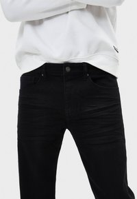 Bershka - Slim fit jeans - black - 3