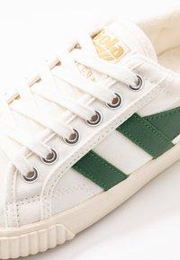 Gola - TENNIS MARK COX - Sneakersy niskie - offwhite/dark green - 2