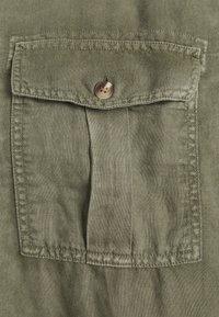 GAP - UTILITY - Shirt - army green - 2