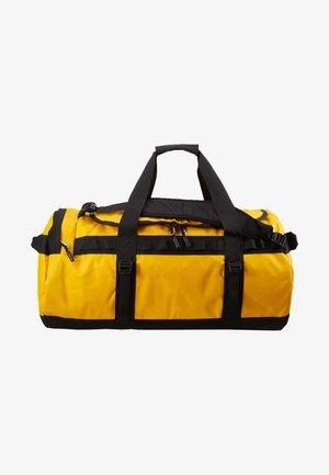 BASE CAMP DUFFEL M UNISEX - Sports bag - summit gold/black