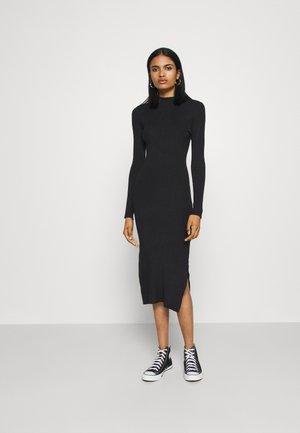 Strikket kjole - black