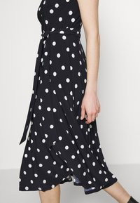 Lauren Ralph Lauren - PRINTED MATTE DRESS - Jersey dress - navy - 4