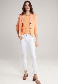 JOOP! - Long sleeved top - orange/weiß - 1