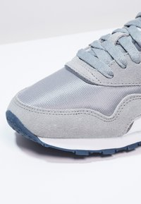 Reebok Classic - CLASSIC NYLON BREATHABLE LIGHTWEIGHT SHOES - Trainers - platinum/jet blue - 5