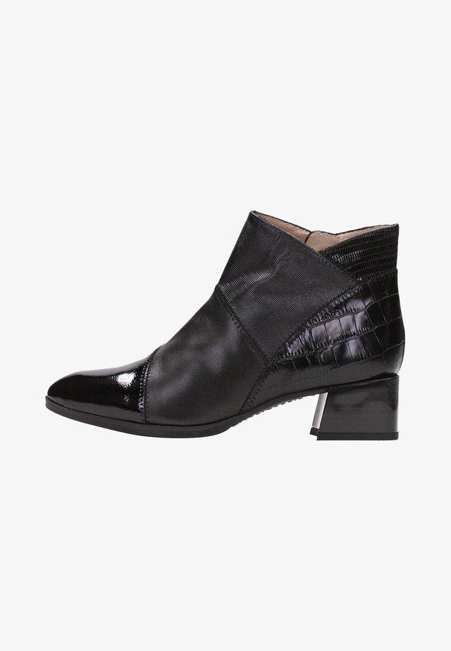ALPES - Korte laarzen - black