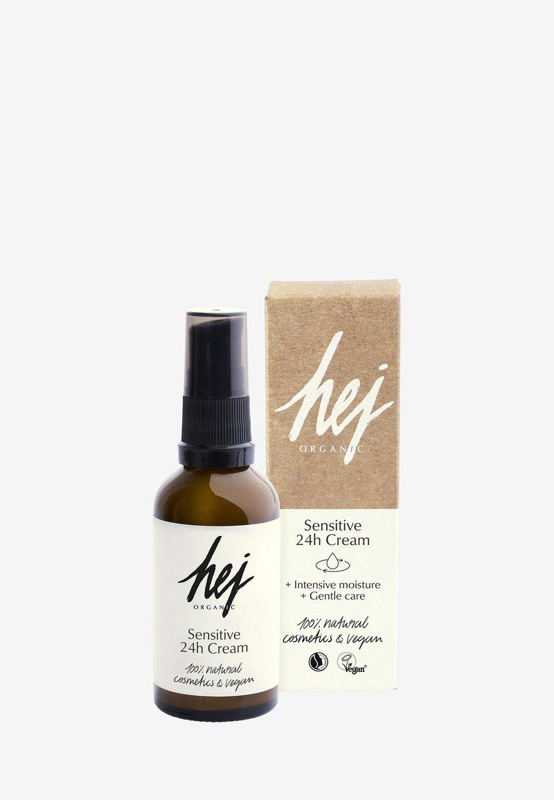 Hej Organic - SENSITIVE 24H FACE CREAM - Face cream - -