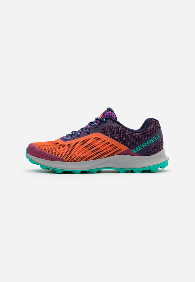 MTL SKYFIRE - Trail running shoes - goldfish