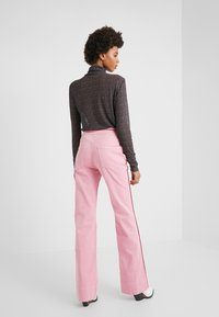 Current/Elliott - THE PIPED 5-POCKET MARITIME PANT - Jeans baggy - sea pink - 2