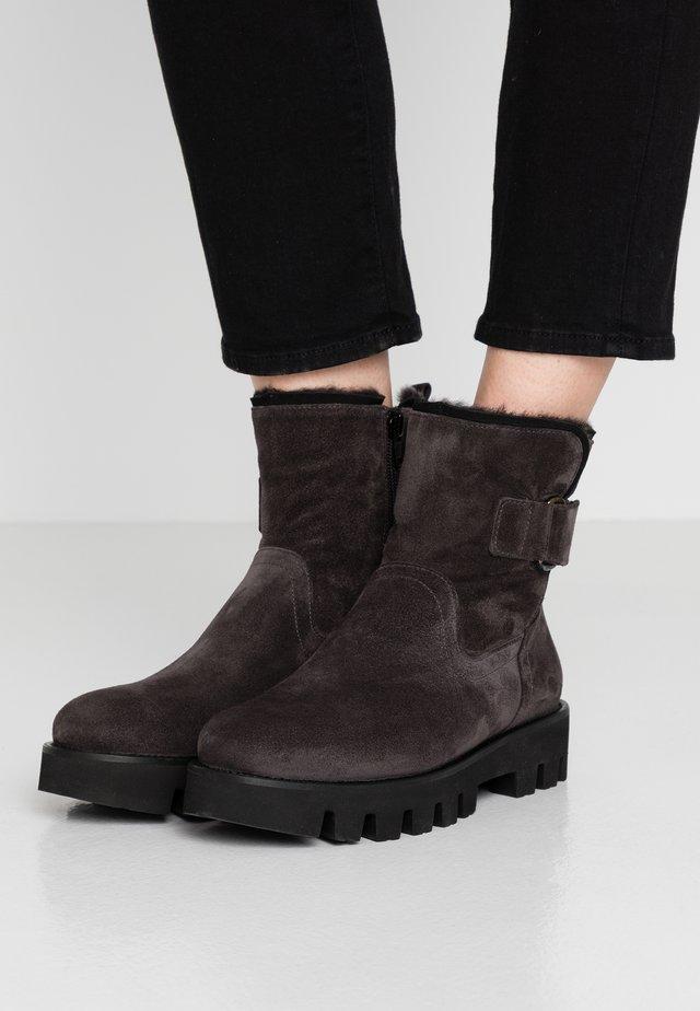 SIENA - Platform ankle boots - asphalto