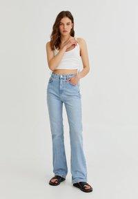 PULL&BEAR - Bootcut jeans - light blue - 1