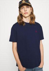 Polo Ralph Lauren - CLASSIC FIT JERSEY T-SHIRT - Basic T-shirt - newport navy - 6