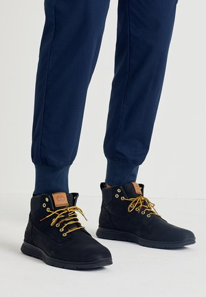 KILLINGTON - Botines con cordones - black