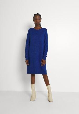 VIRIL DRESS - Pletené šaty - mazarine blue