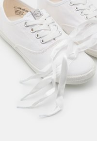 Tamaris - LACE-UP - Trainers - white - 4