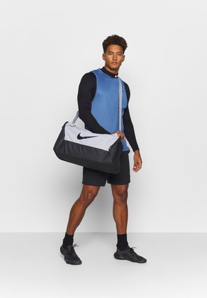 DUFF 9.0 - Sports bag - lightt smoke grey/dark smoke grey/black