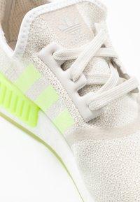 adidas Originals - NMD_R1  - Sneakers basse - talc/hi-res yellow - 2