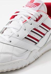 adidas Originals - TRAINER - Zapatillas - footwear white/scarlet/core black - 5