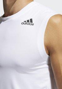 adidas Performance - SL TECHFIT AEROREADY PRIMEGREEN SPORTS SLEEVELESS T-SHIRT - Top - white - 4