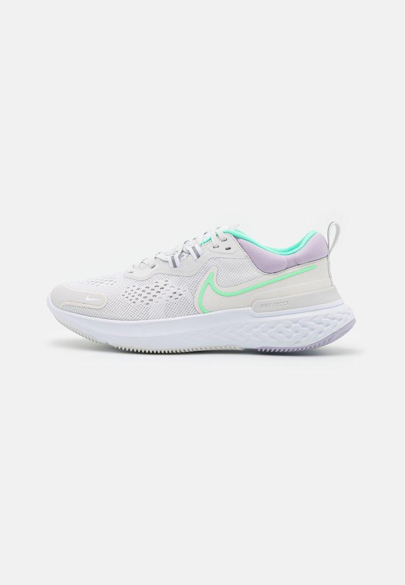 Nike Performance - REACT MILER 2 - Neutral running shoes - platinum tint/green glow/white