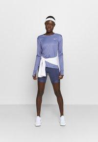 Nike Performance - MILER - Funktionsshirt - world indigo/silver - 1