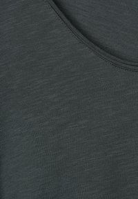 Street One - Basic T-shirt - green - 4
